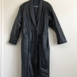 D.A.N.Y. LARGE BLACK LEATHER TRENCH EUC